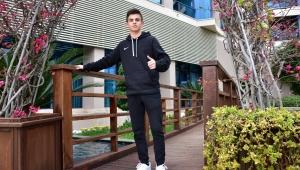 Kerem Yiğit'in en büyük hayali İngiltere'de futbol oynamak