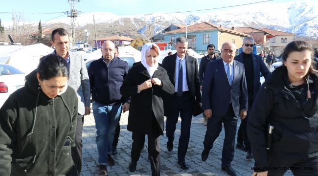 Meral Akşener'den depremde ölenlerin yakınlarına taziye ziyareti