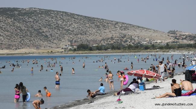 Salda Gölü 2019'u 1,5 milyon turistle kapattı