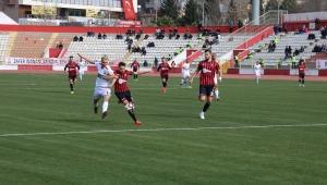 TFF 2. Lig: Kahramanmaraşspor: 2 - Uşakspor: 1