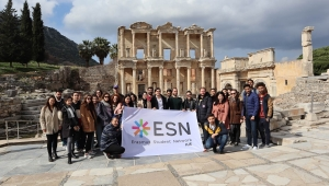 İzmir Ekonomi Üniversitesinden uluslararası öğrenciler için sürpriz gezi