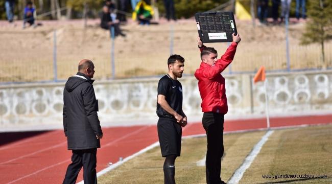 Manisa FK'da 3 isim süresiz kadro dışı bırakıldı