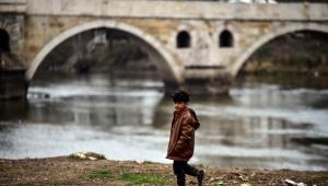 Göçmenlerin Avrupa'ya geçmek için bekleyişi sürüyor