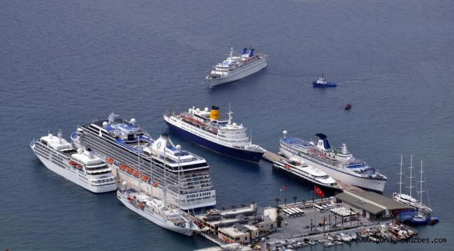 Kuşadası lüks yolcu gemilerinin uğrak yeri olacak