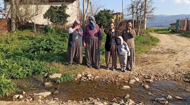 Ödemiş'te bir mahalle atık sulara tepki gösterdi, yardım istedi