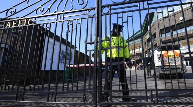 İngiltere'de 1 günde 621 kişi koronadan hayatını kaybetti