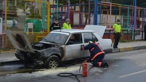 Soma'da seyir halindeki otomobilde yangın
