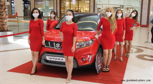 Her 100 liralık alışverişe verilen kuponlarla çekilişe katıldı, araba sahibi oldu