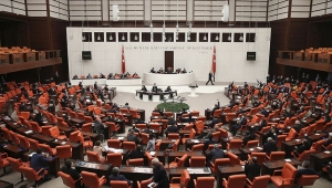 AK Parti'de sosyal medya bölünmesi