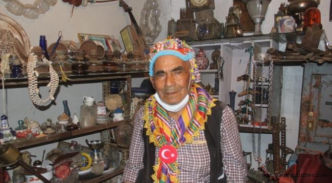 Torbalılı çiftçi Fethi Dede, antika merakıyla koleksiyon oluşturdu