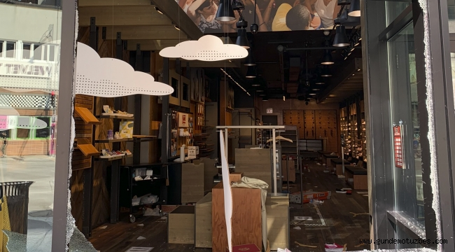 ABD'de lüks mağazalar yağmalandı