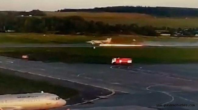 Rusya'da savaş uçağının tekeri koptu