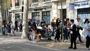 Fransa Başbakanı, salgını yönetemediği gerekçesiyle Adalet Divanı'na şikayet edildi