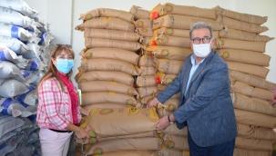 Söke'de çiftçilere yem bitkisi tohumu dağıtıldı