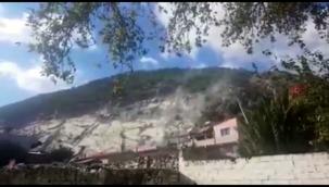 Söke'de deprem sırasında taş ocağından kopan kaya parçaları korkuttu