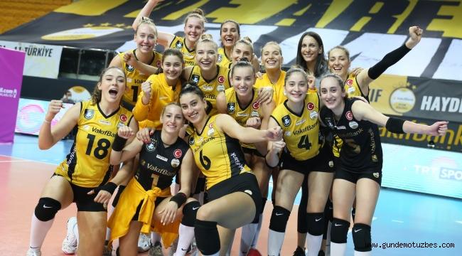 Sultanlar Ligi: VakıfBank: 3 - Fenerbahçe Opet: 0