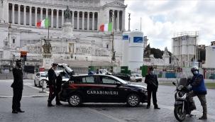 İtalya'da son 24 saatte Covid-19'a bağlı 541 ölüm