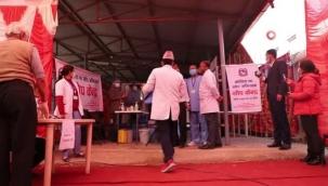 Nepal'de Covid-19 aşılaması başlandı