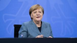 """Merkel: """"Yaz ayına kadar herkes aşılanacak"""""""